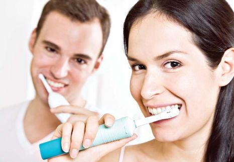 Звуковая зубная щетка или ультразвуковая