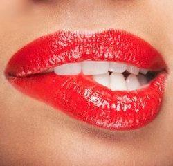 Губная помада вредит зубной эмали
